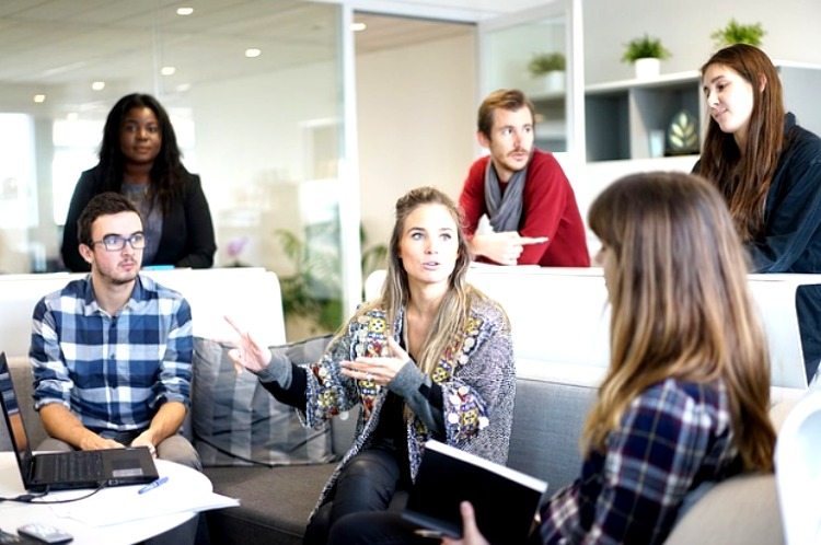 5 Tips To Run A Productive Team Meeting